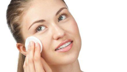 Как очистить лицо от косметики правильно